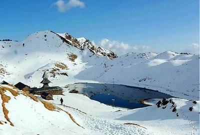 prashar-lake-trekking-and-overnight-camping-1
