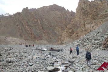trekking-stok-trek-the-himalaya-55a4e3439411b2386fcf01b8-trekking-expedition-mountaineering__800x533